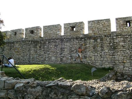 катерене по крепостни стени